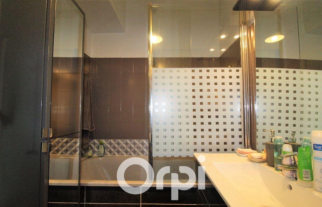 Appartement à louer 4 92.69m2 à Roquebrune-sur-Argens vignette-8