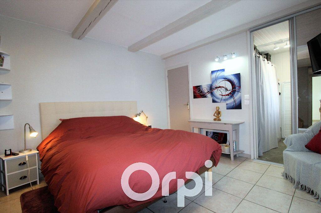 Maison à vendre 6 146.32m2 à Roquebrune-sur-Argens vignette-5