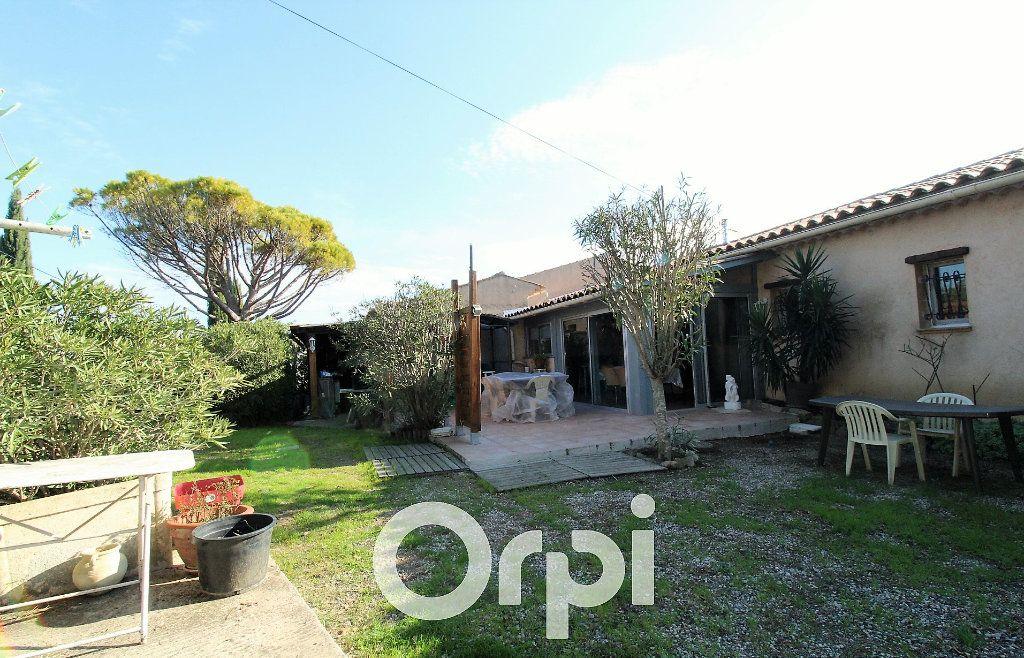 Maison à vendre 6 146.32m2 à Roquebrune-sur-Argens vignette-13