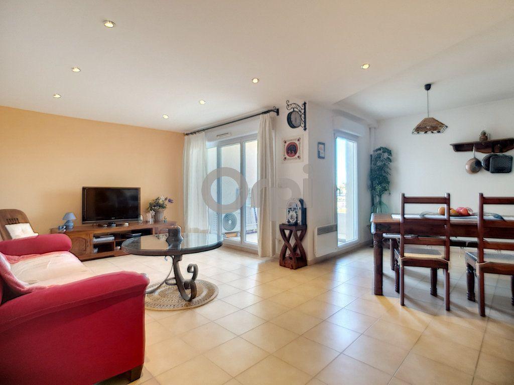 Appartement à vendre 3 74.87m2 à Saint-Raphaël vignette-4