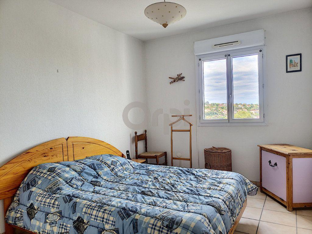 Appartement à vendre 3 74.87m2 à Saint-Raphaël vignette-5