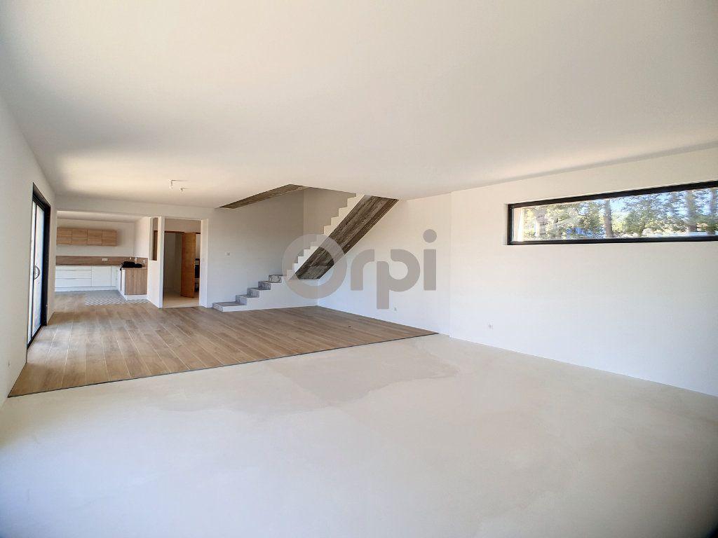 Maison à vendre 6 220m2 à Flayosc vignette-4