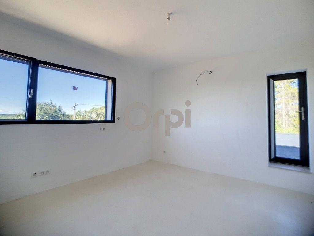 Maison à vendre 6 220m2 à Flayosc vignette-11