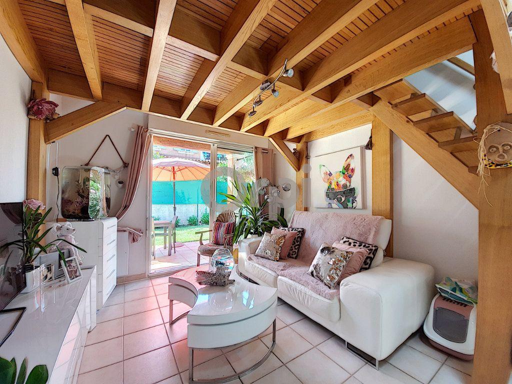 Maison à vendre 2 38.39m2 à Roquebrune-sur-Argens vignette-3