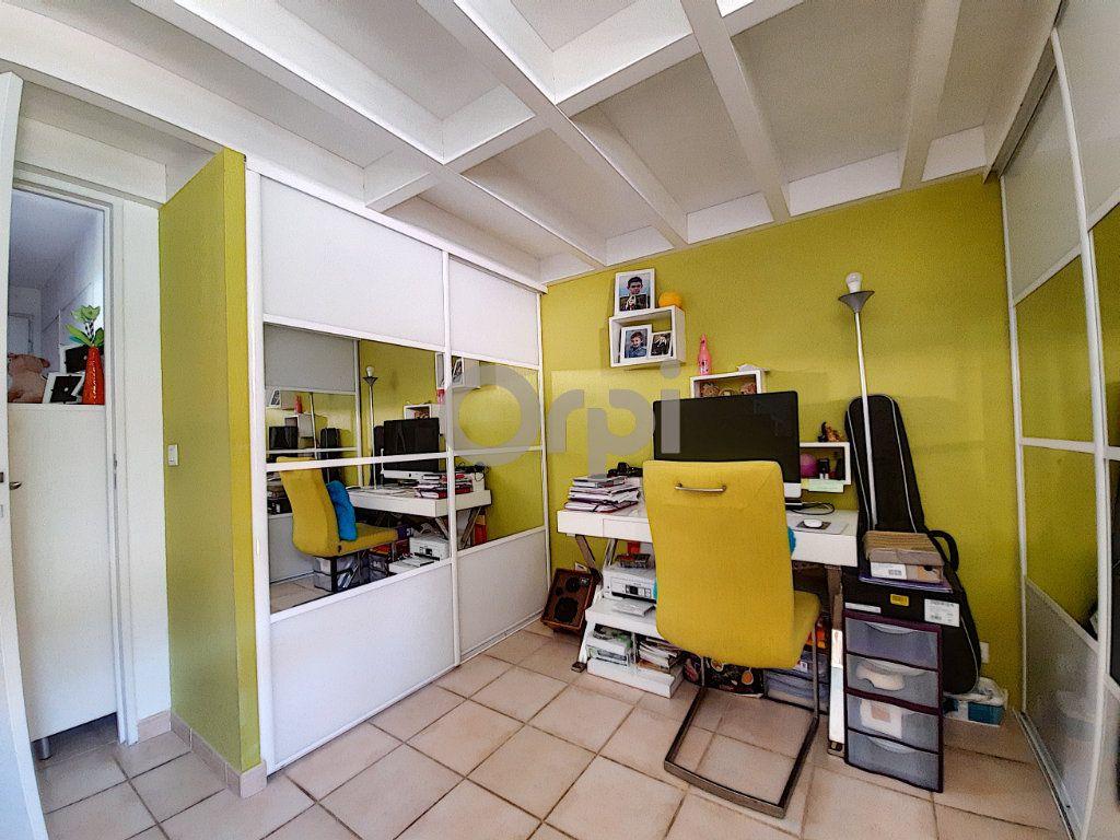 Maison à vendre 2 38.39m2 à Roquebrune-sur-Argens vignette-4