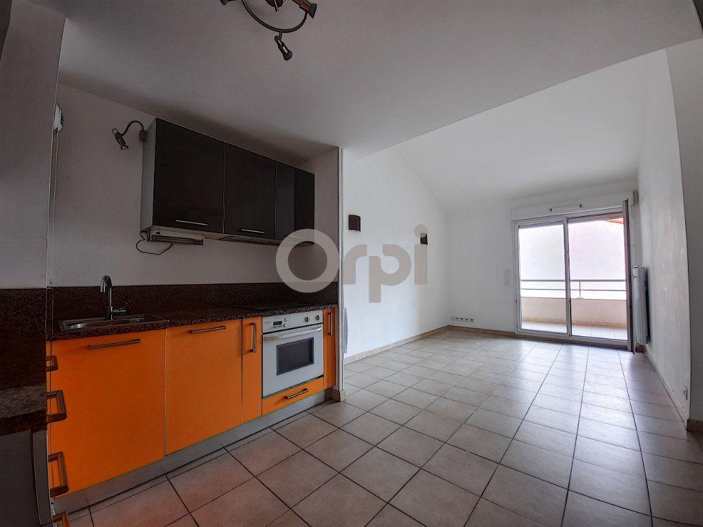 Appartement à vendre 3 48.01m2 à Fréjus vignette-1
