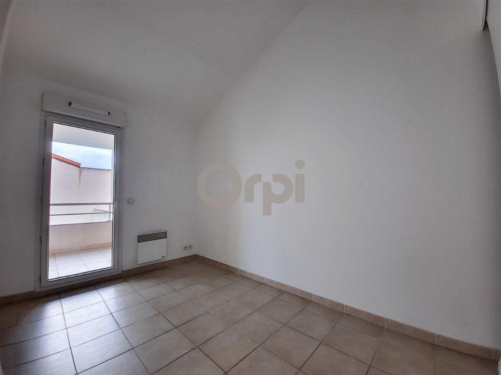 Appartement à vendre 3 48.01m2 à Fréjus vignette-3