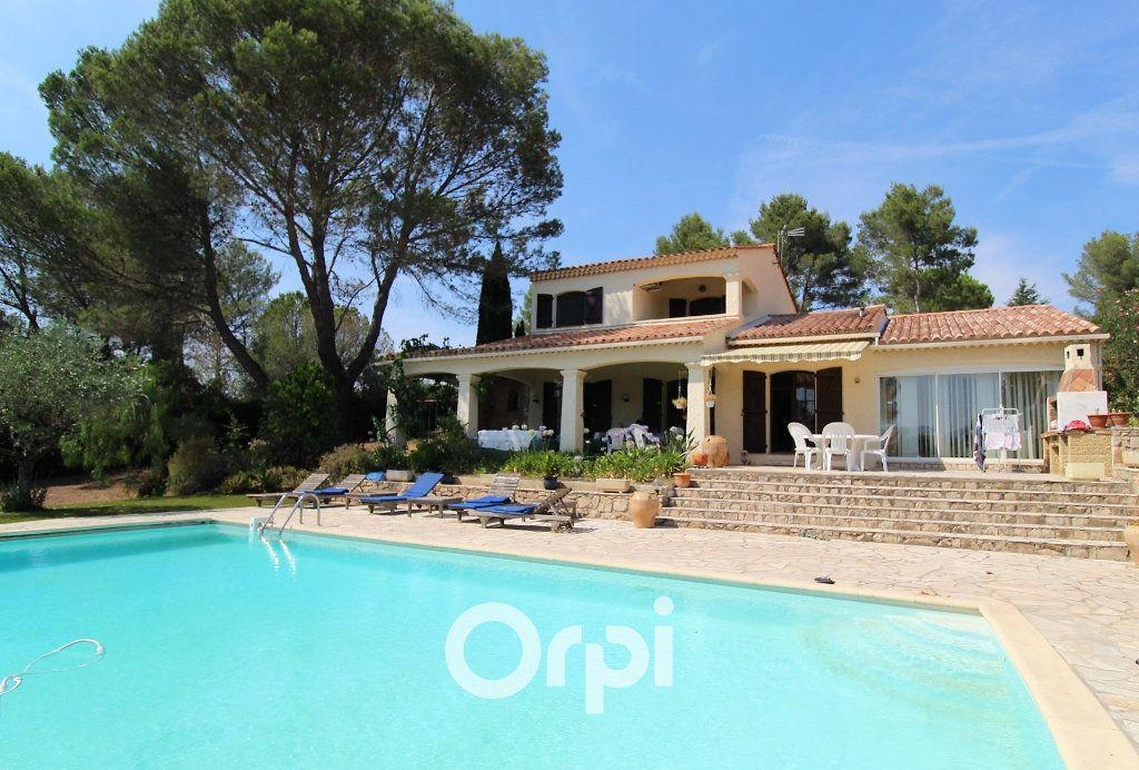 Maison à vendre 5 150.3m2 à Roquebrune-sur-Argens vignette-3