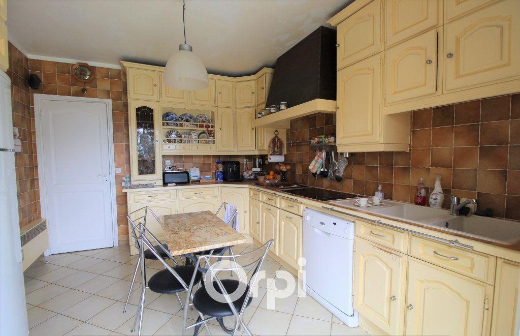 Maison à vendre 5 150.3m2 à Roquebrune-sur-Argens vignette-5