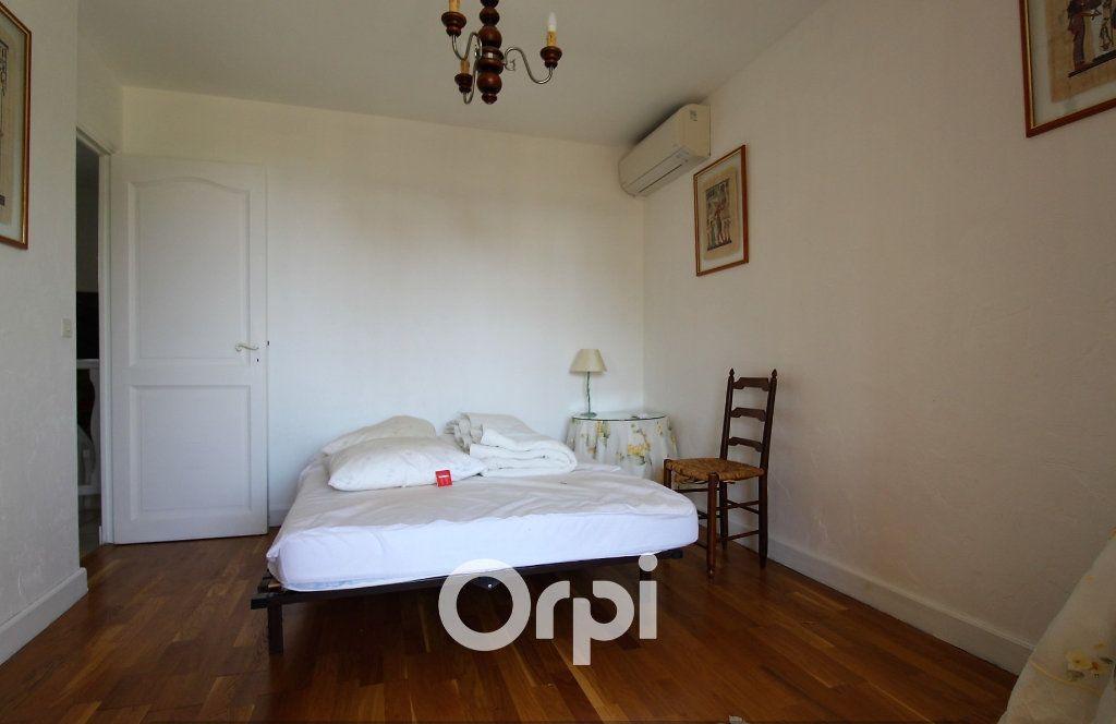 Maison à vendre 5 150.3m2 à Roquebrune-sur-Argens vignette-9
