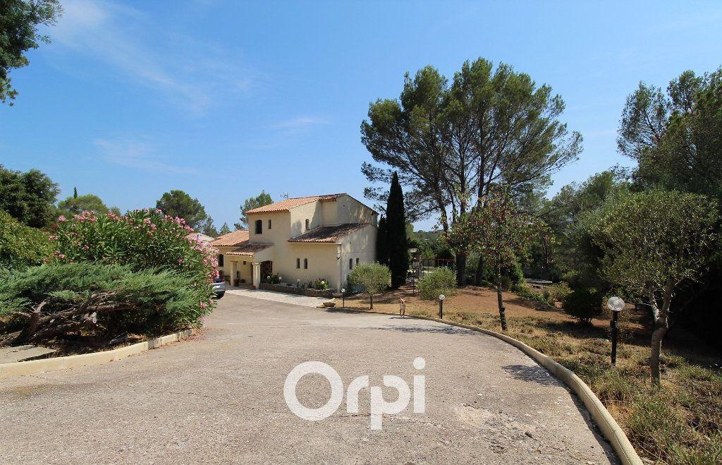 Maison à vendre 5 150.3m2 à Roquebrune-sur-Argens vignette-13