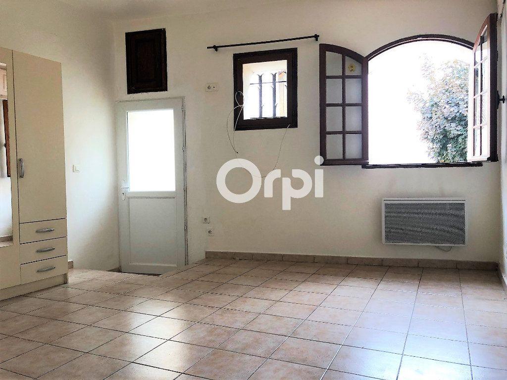 Appartement à louer 1 20.23m2 à Roquebrune-sur-Argens vignette-3