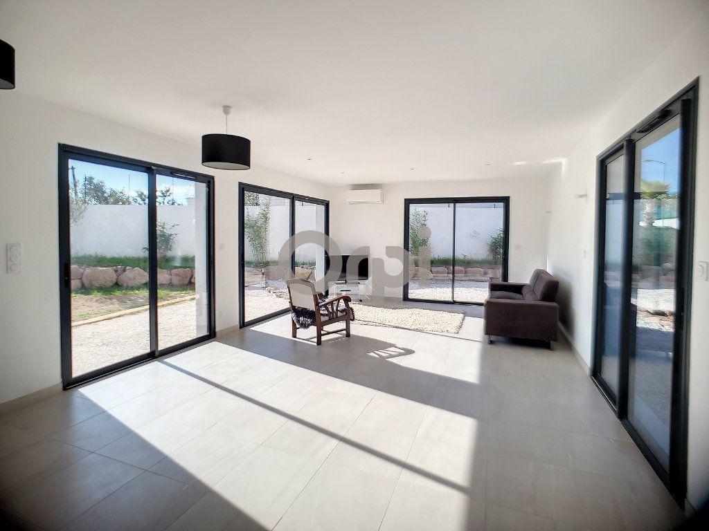 Maison à vendre 4 95m2 à Puget-sur-Argens vignette-1