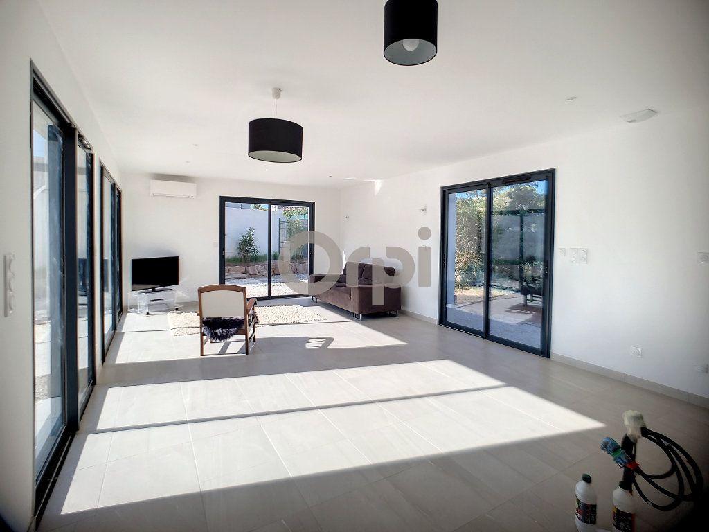 Maison à vendre 4 95m2 à Puget-sur-Argens vignette-2