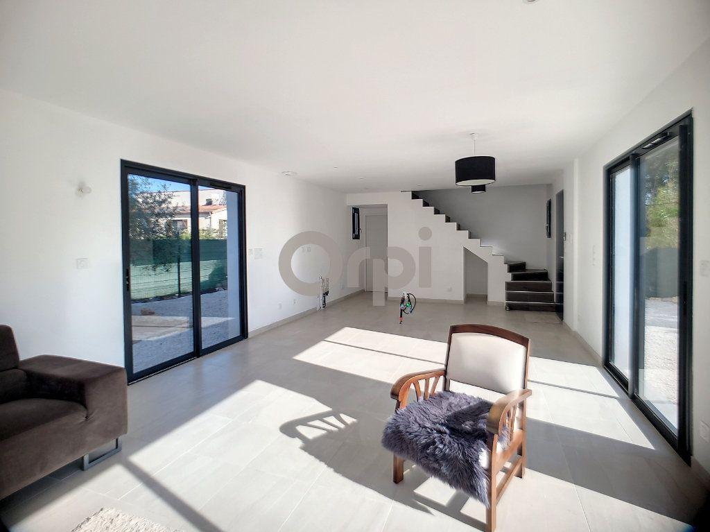 Maison à vendre 4 95m2 à Puget-sur-Argens vignette-3