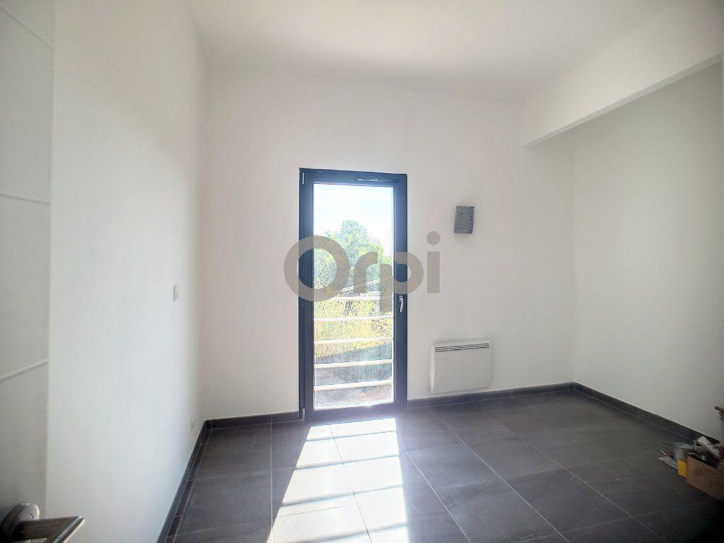 Maison à vendre 4 95m2 à Puget-sur-Argens vignette-8