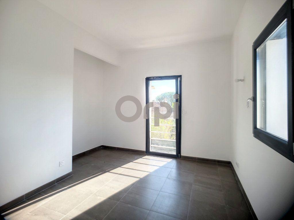 Maison à vendre 4 95m2 à Puget-sur-Argens vignette-9