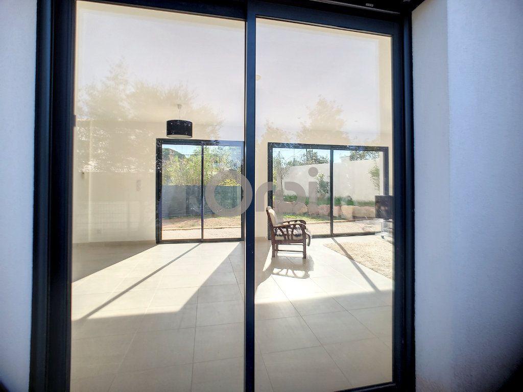 Maison à vendre 4 95m2 à Puget-sur-Argens vignette-11