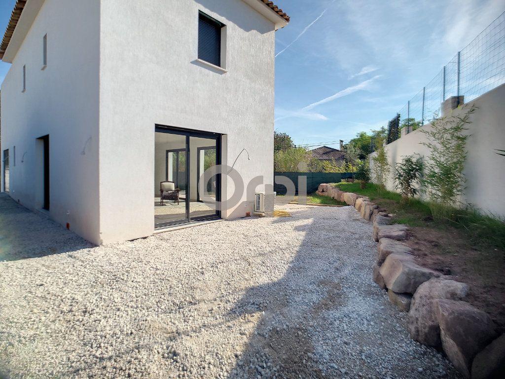 Maison à vendre 4 95m2 à Puget-sur-Argens vignette-14