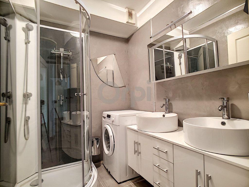 Appartement à vendre 3 58.41m2 à Fréjus vignette-4