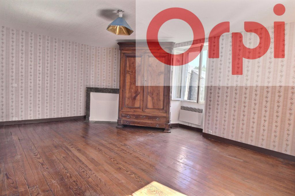 Maison à vendre 4 130m2 à Oloron-Sainte-Marie vignette-2