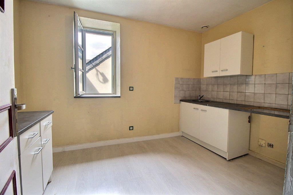 Appartement à vendre 3 68.79m2 à Oloron-Sainte-Marie vignette-2