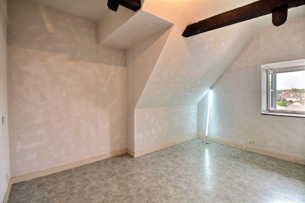 Appartement à vendre 3 68.79m2 à Oloron-Sainte-Marie vignette-3