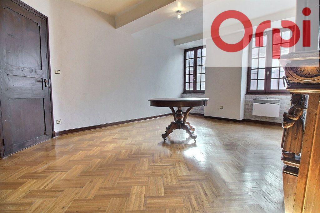 Maison à vendre 7 200m2 à Oloron-Sainte-Marie vignette-1