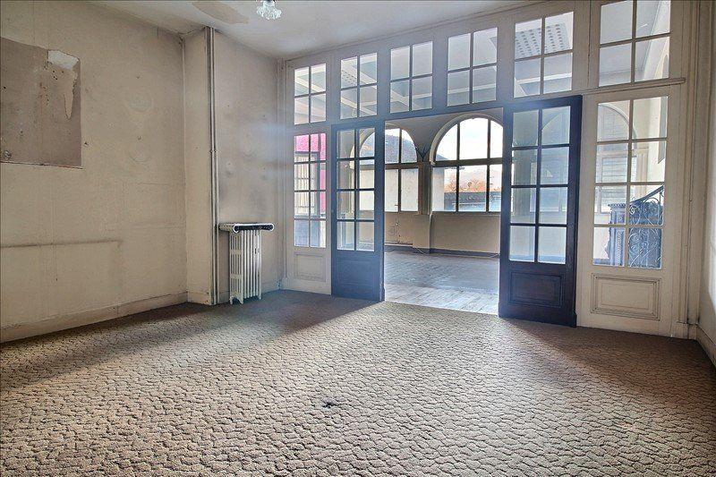 Appartement à vendre 6 169.4m2 à Oloron-Sainte-Marie vignette-3