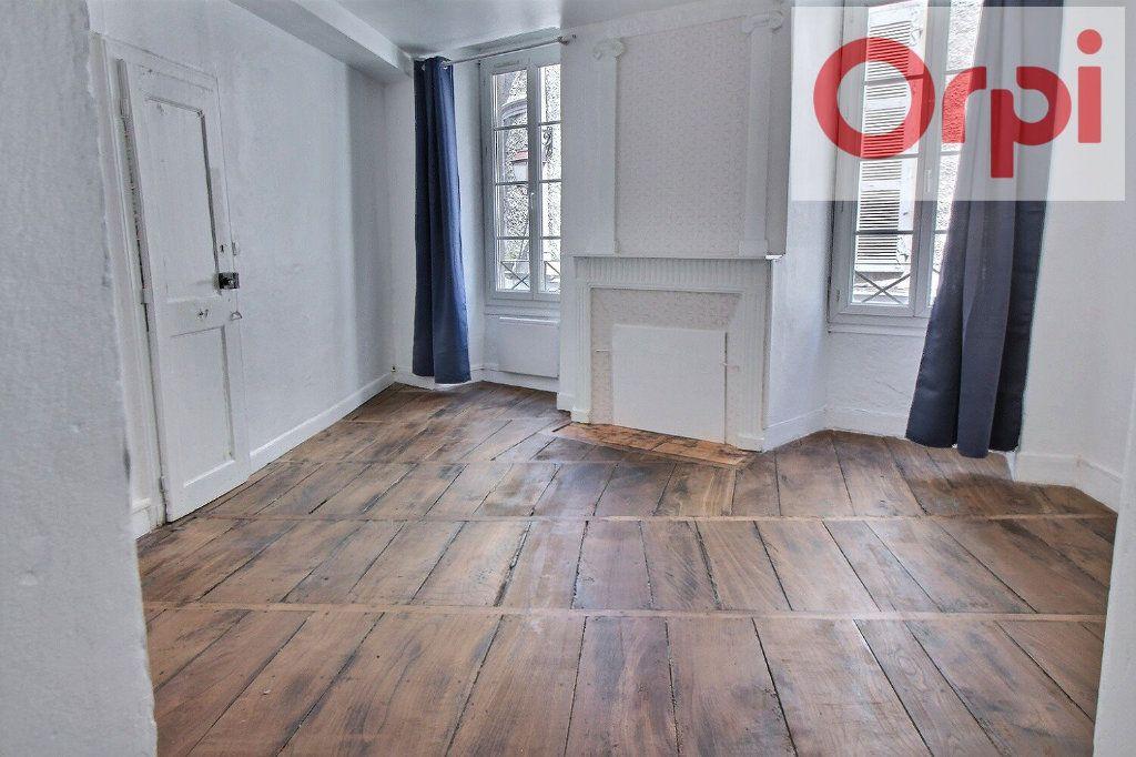 Appartement à vendre 3 75m2 à Oloron-Sainte-Marie vignette-2