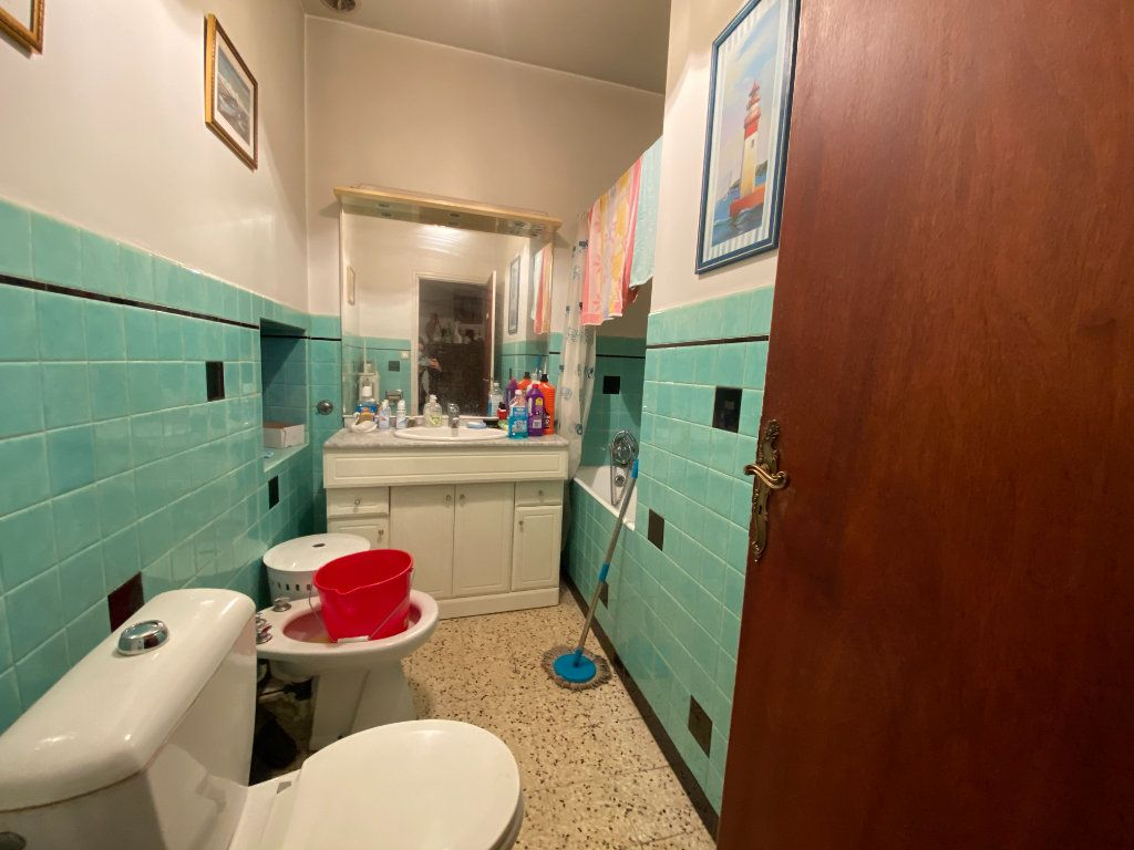 Maison à vendre 12 252m2 à Bollène vignette-8