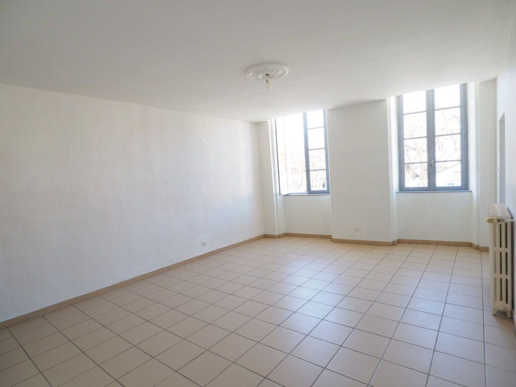 Appartement à vendre 4 106m2 à Bollène vignette-1