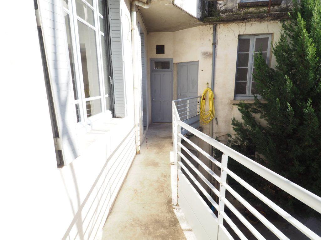 Appartement à vendre 4 106m2 à Bollène vignette-2