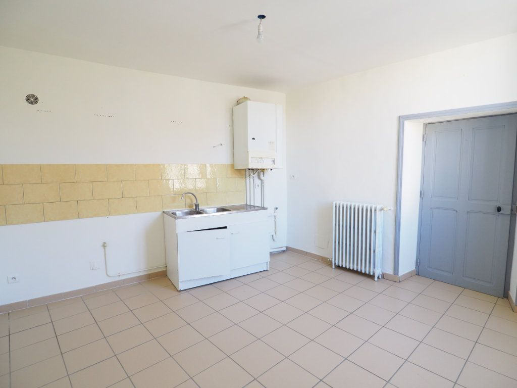 Appartement à vendre 4 106m2 à Bollène vignette-5