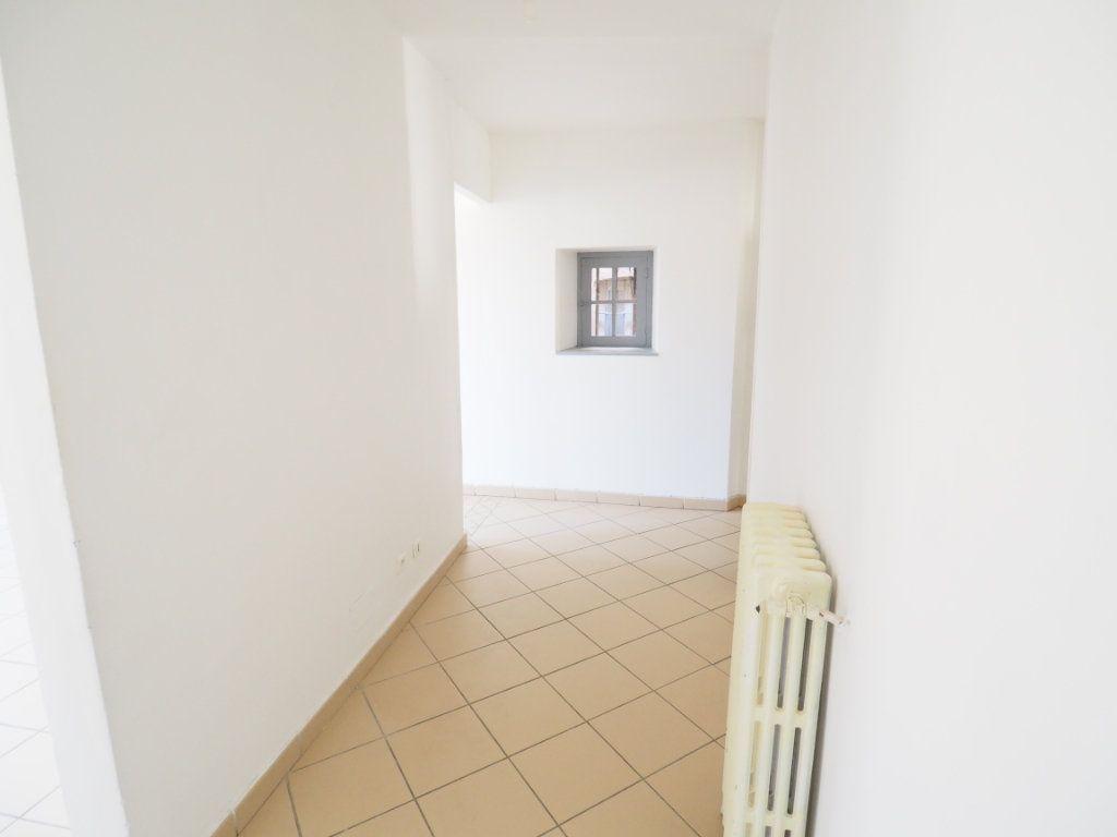 Appartement à vendre 4 106m2 à Bollène vignette-10