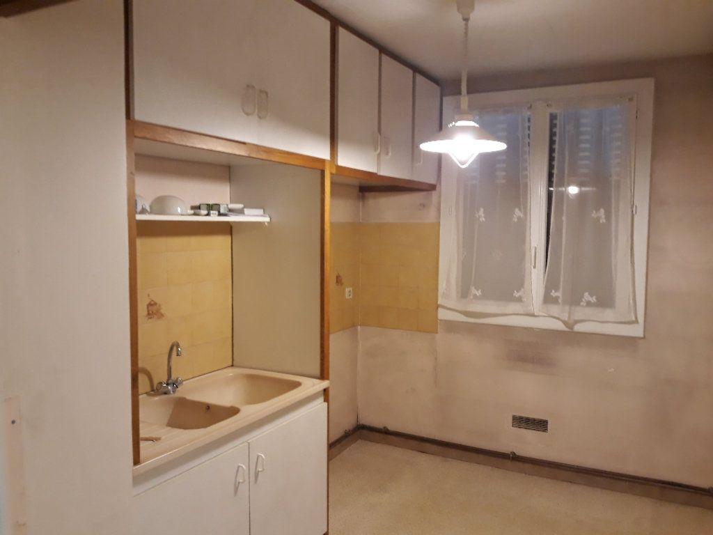 Appartement à vendre 4 69.09m2 à Bollène vignette-2