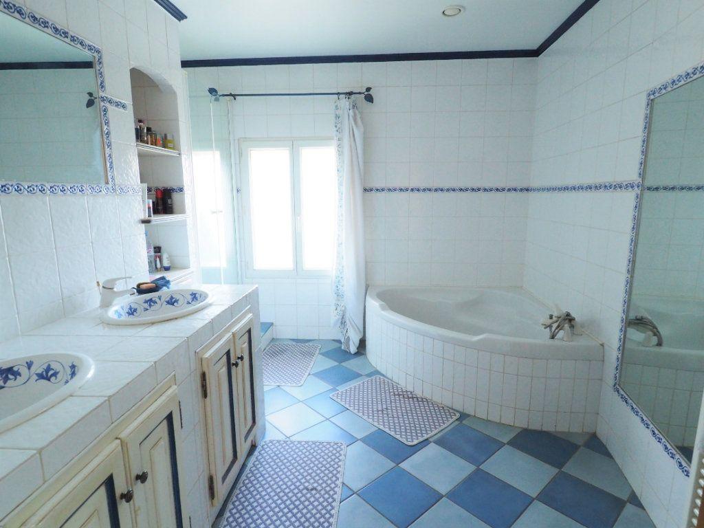 Maison à vendre 6 170m2 à Bollène vignette-8