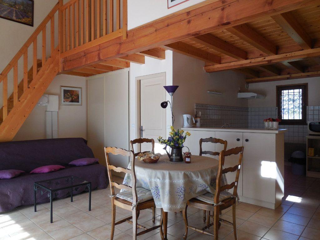 Maison à vendre 9 500m2 à Suze-la-Rousse vignette-6