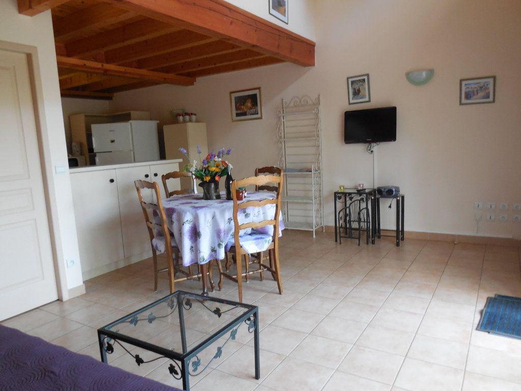 Maison à vendre 9 500m2 à Suze-la-Rousse vignette-8