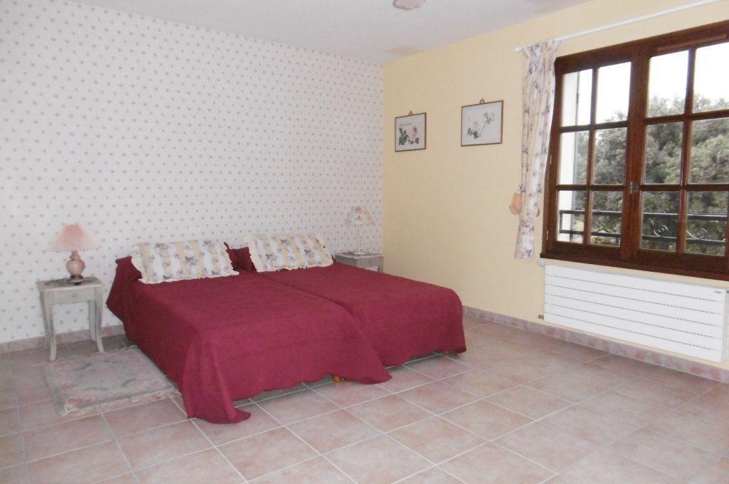 Maison à vendre 9 500m2 à Suze-la-Rousse vignette-9