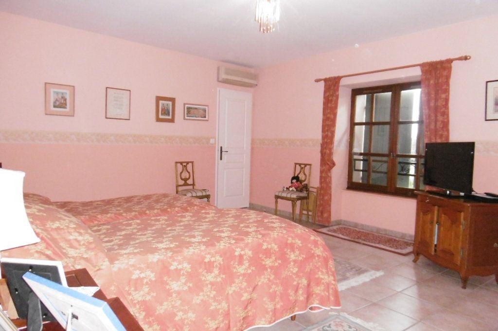 Maison à vendre 9 500m2 à Suze-la-Rousse vignette-11