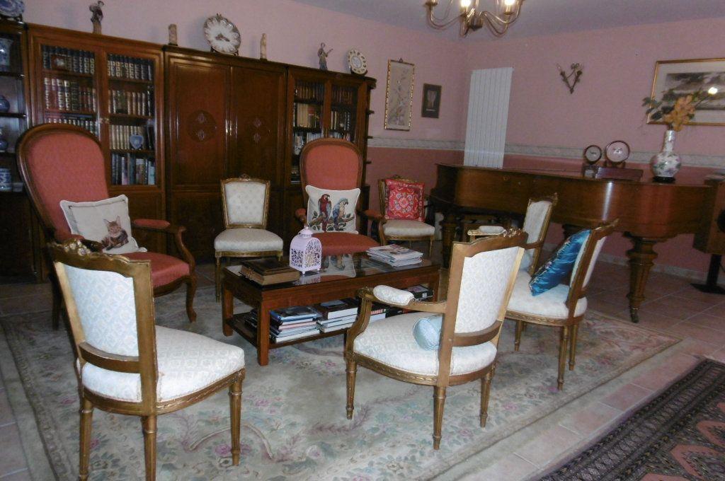 Maison à vendre 9 500m2 à Suze-la-Rousse vignette-12
