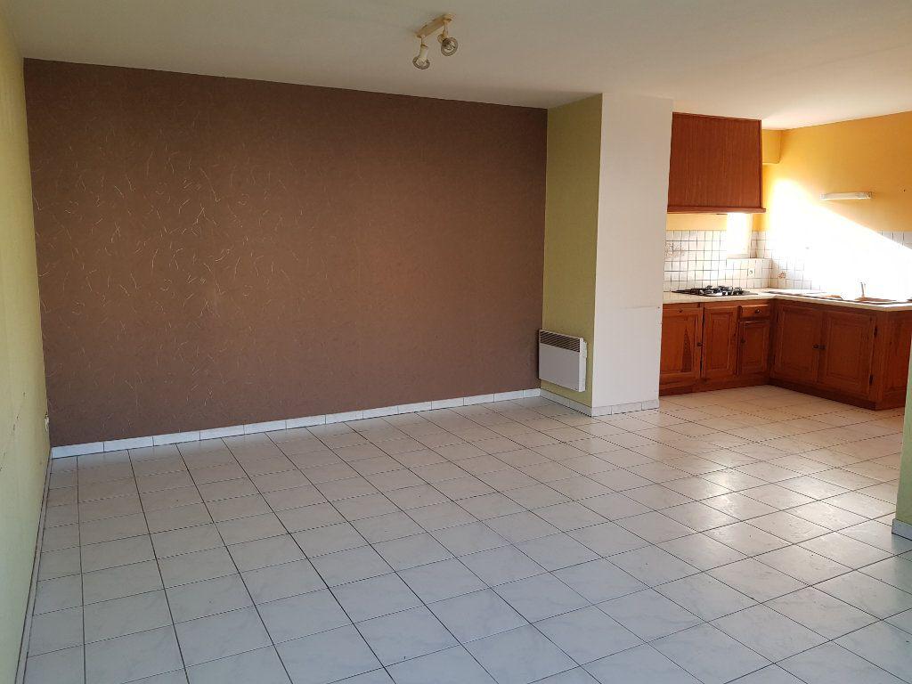 Maison à vendre 12 255m2 à Lapalud vignette-5