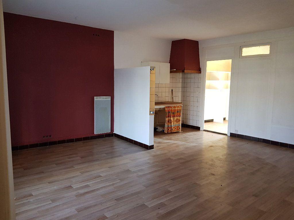 Maison à vendre 12 255m2 à Lapalud vignette-14
