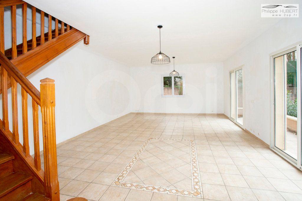 Maison à vendre 8 121.74m2 à Bollène vignette-2
