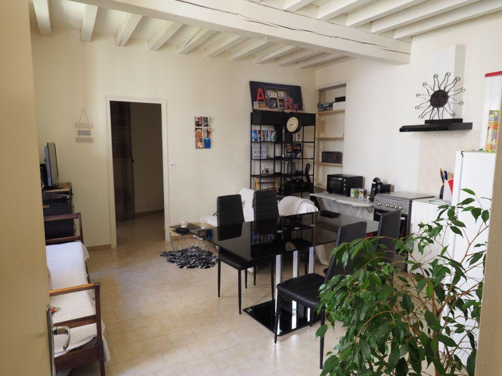 Appartement à louer 2 37.95m2 à Bollène vignette-2