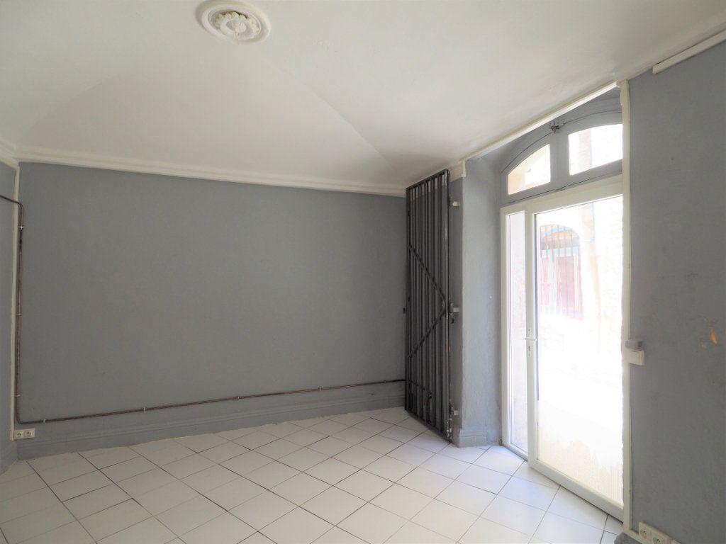 Appartement à vendre 2 45m2 à Bourg-Saint-Andéol vignette-2