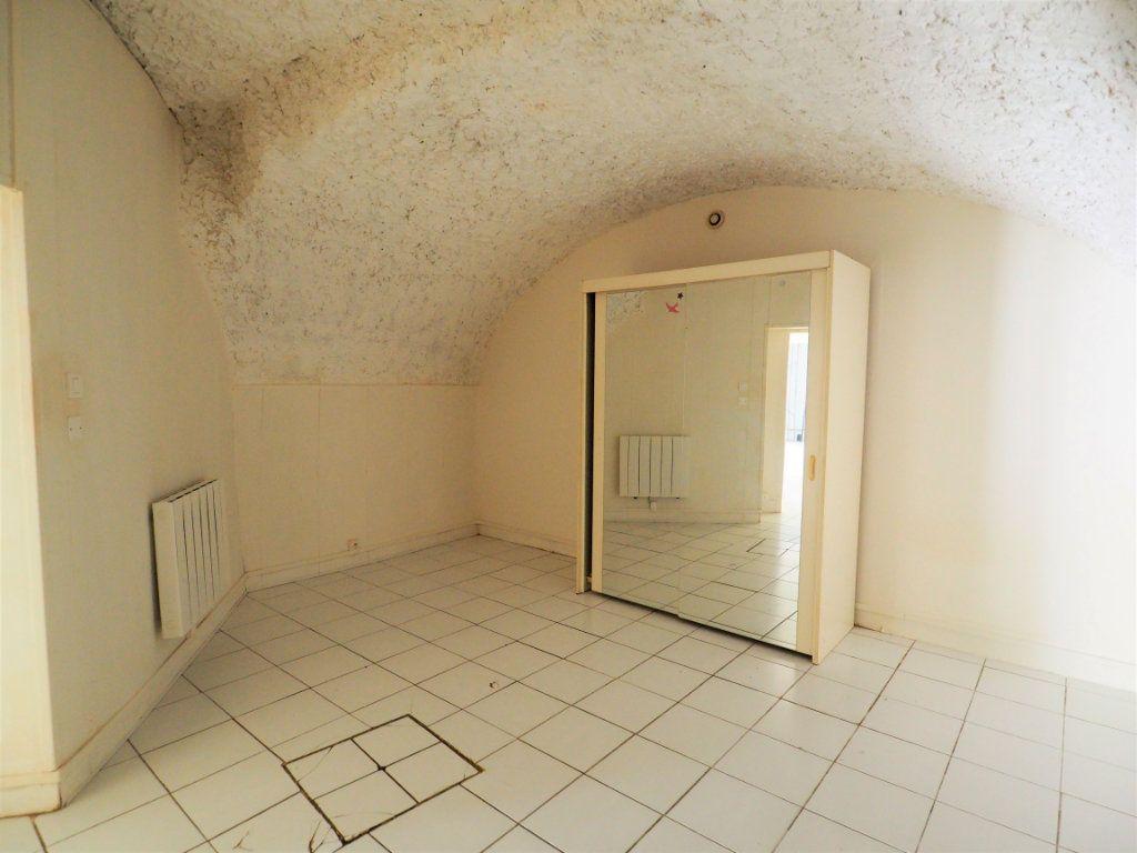 Appartement à vendre 2 45m2 à Bourg-Saint-Andéol vignette-4