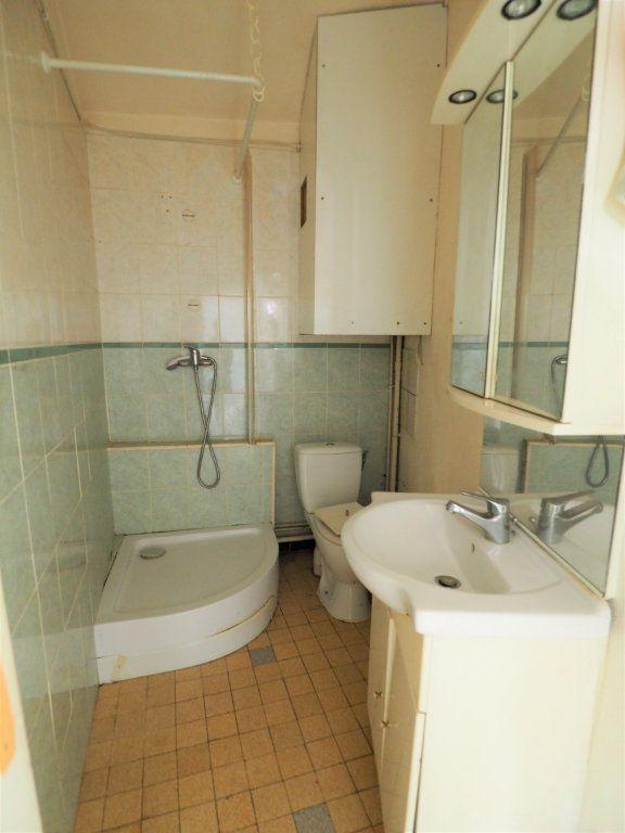 Appartement à vendre 2 45m2 à Bourg-Saint-Andéol vignette-5