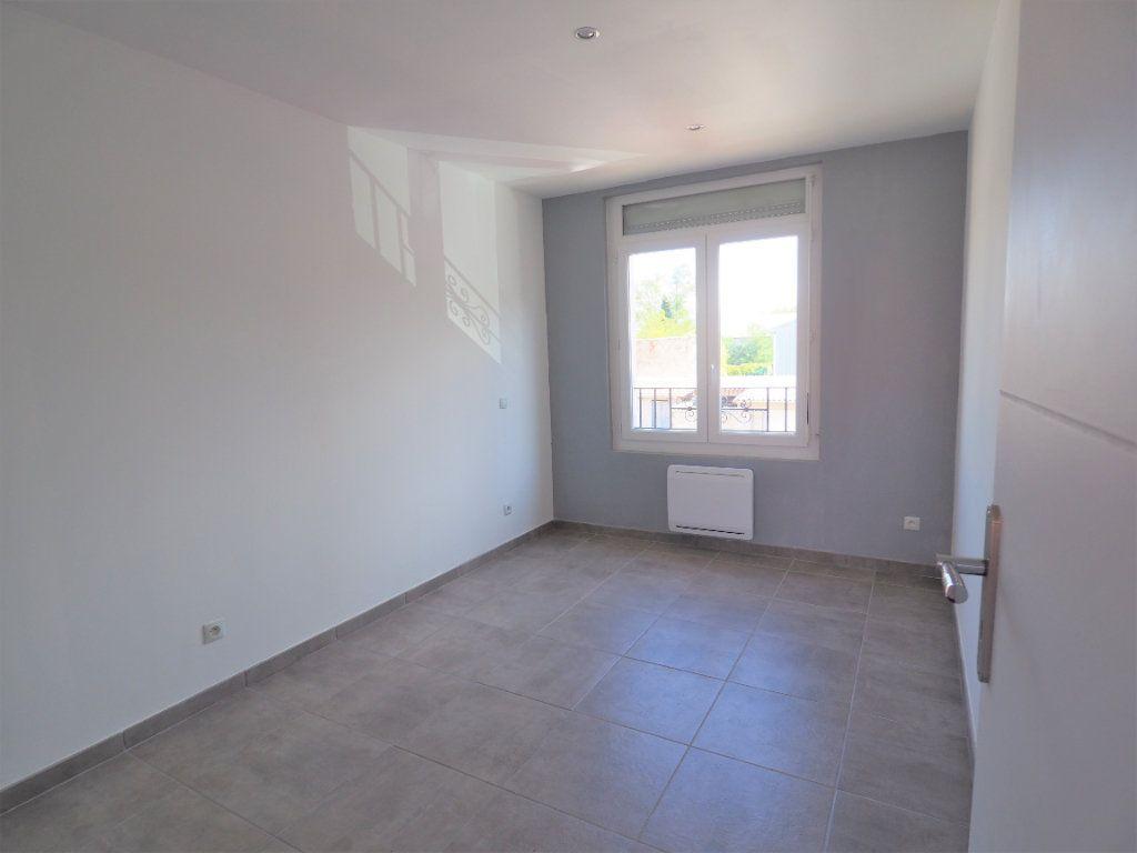 Appartement à louer 2 33.13m2 à Bollène vignette-6